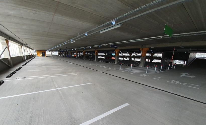 Vilniaus oro uosto automobilių parkavimo aikštelė. DURUS EasyFinish ir Crackstop Ultra