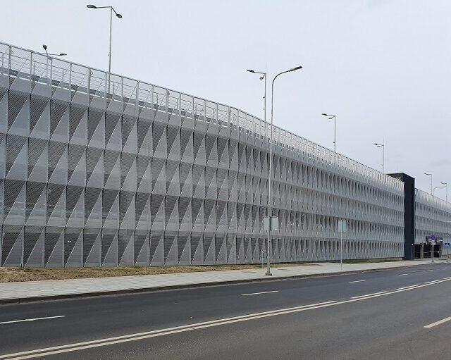 Vilniaus oro uosto daugiaaukštės automobilių parkavimo aikštelės armavimas